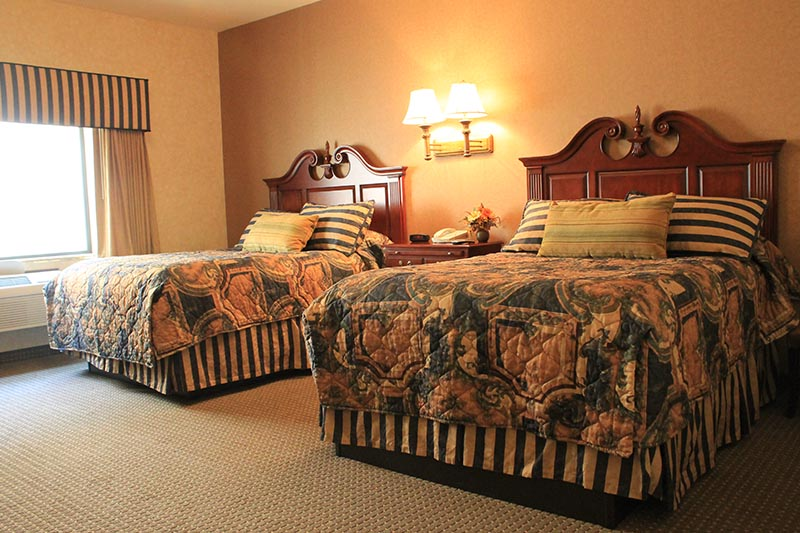 Queen Executive Suite beds
